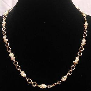 Elegant Necklace  H16